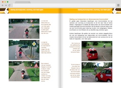 Screenshot 1: bromfiets theorieboek